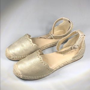 (p259) Marc Fisher Gold  Espadrille Flats 6M